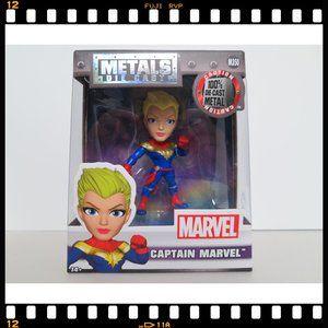 M350~Captain~Marvel~Metals~Die~Cast~